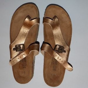 Gold Naot Tahoe leather EU40/US9-9.5